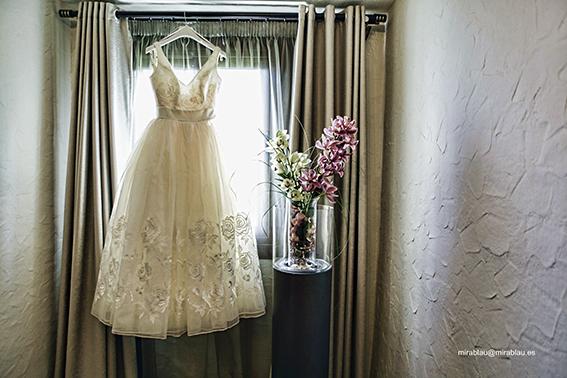 Foto de boda. Vertido novia.