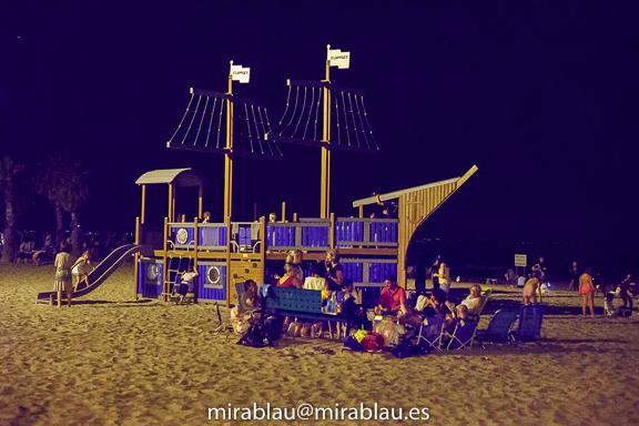 Foto nítida por usar alta velocidad. Nocturna Playa de San Juan