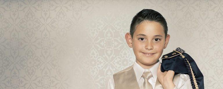 Foto-Retrato-Niño-Primera-Comunión-en-estudio.