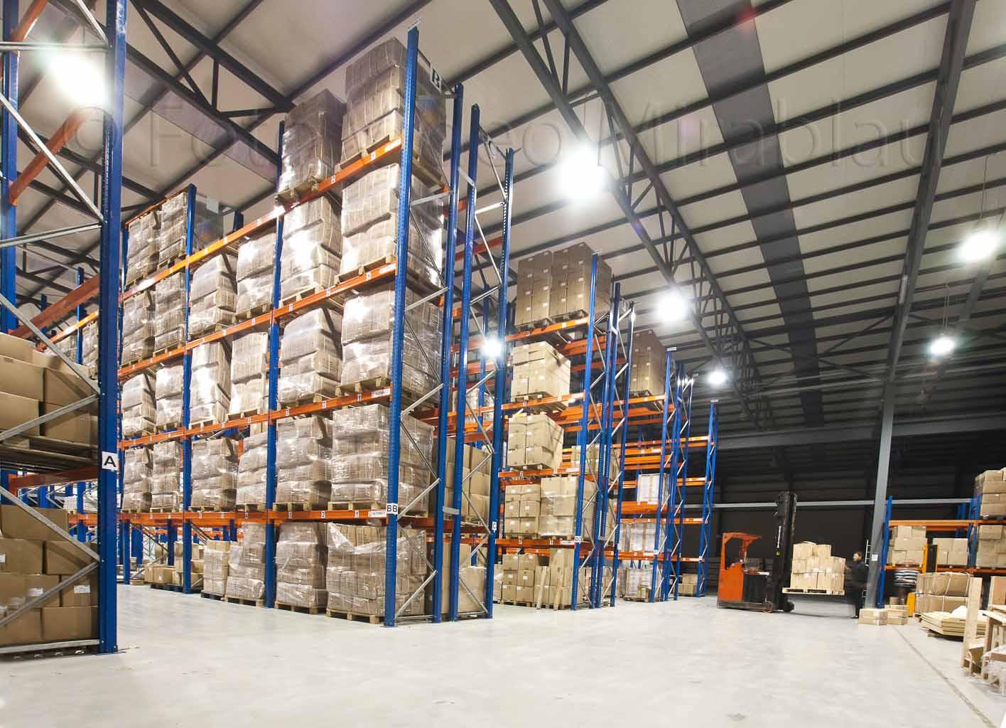 Foto Industrial. Almacenamiento interior fábrica.