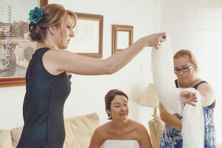 Preparando el velo de la novia