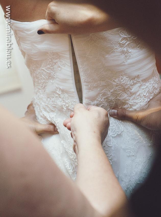 Cerrado vestido de la novia
