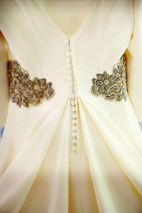 Fajin-dorado-vestido-de-novia