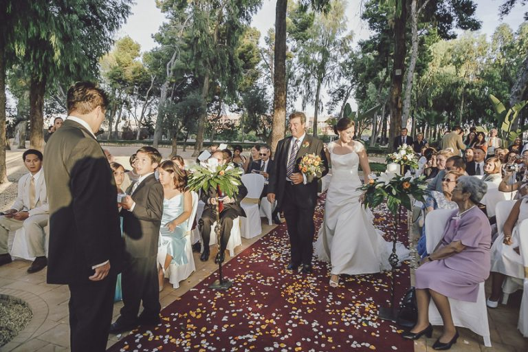 Ceremonia-en-jardín-finca-Casa-Boch-04