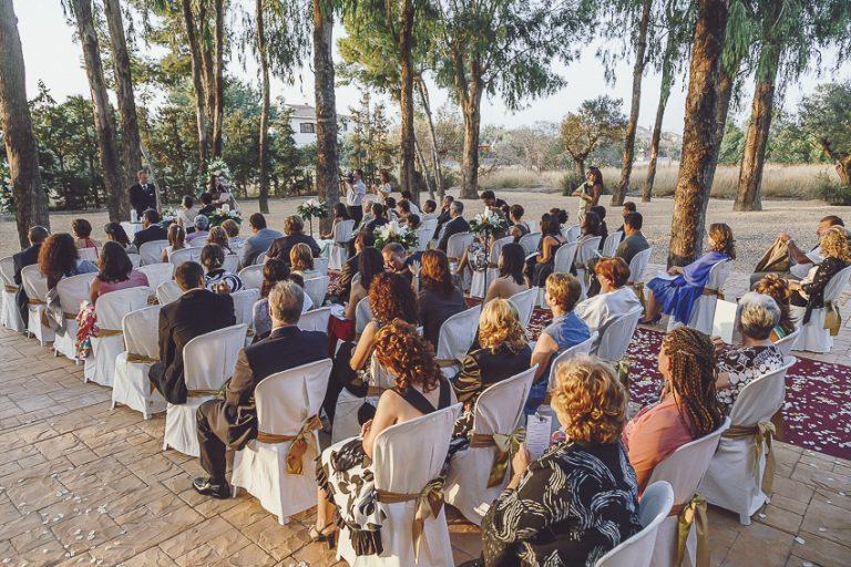 Ceremonia-en-jardín-finca-Casa-Boch-01