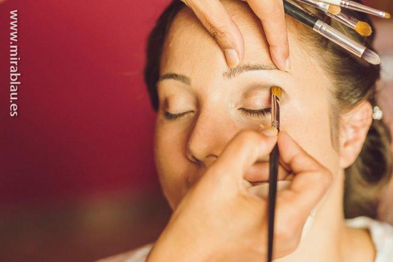 Maquillando-novia