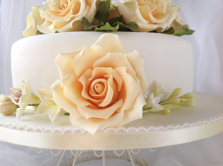 Flor-comestible-tarta-boda