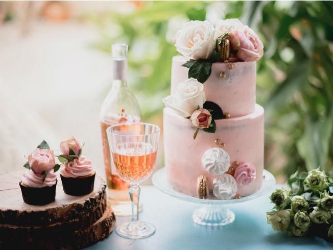 tarta-de-bodas-con-capcake-y-copa